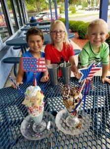 Michigan City's Bubbles Ice Cream Parlor celebrating 15 seasons